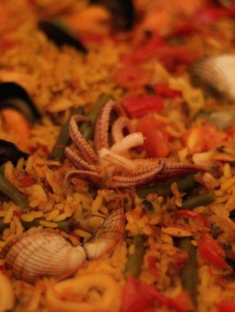 La Paella, plato emblemático en España